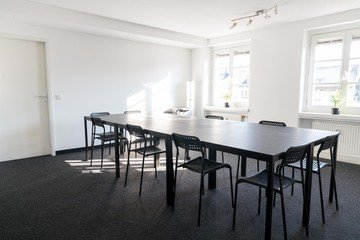 Cologne Schulungsräume Lieu Atypique One-way mirror room meeting space image 3