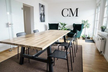 Cologne training rooms Lieu Atypique One-way mirror room meeting space image 1