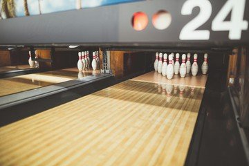 Hamburg corporate event venues Lieu Atypique U.S. FUN Bowling image 6