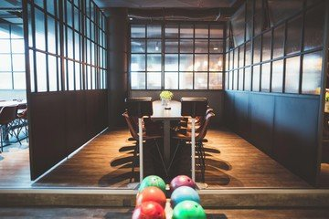 Hamburg corporate event venues Lieu Atypique U.S. FUN Bowling image 2