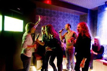 Paris corporate event venues  Karaoke box Parmentier image 4