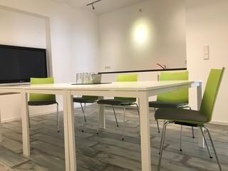 Düsseldorf Tagungsräume Meeting room Moderner Meeting- & Schulungsraum - Das Nachhilfezentrum image 1