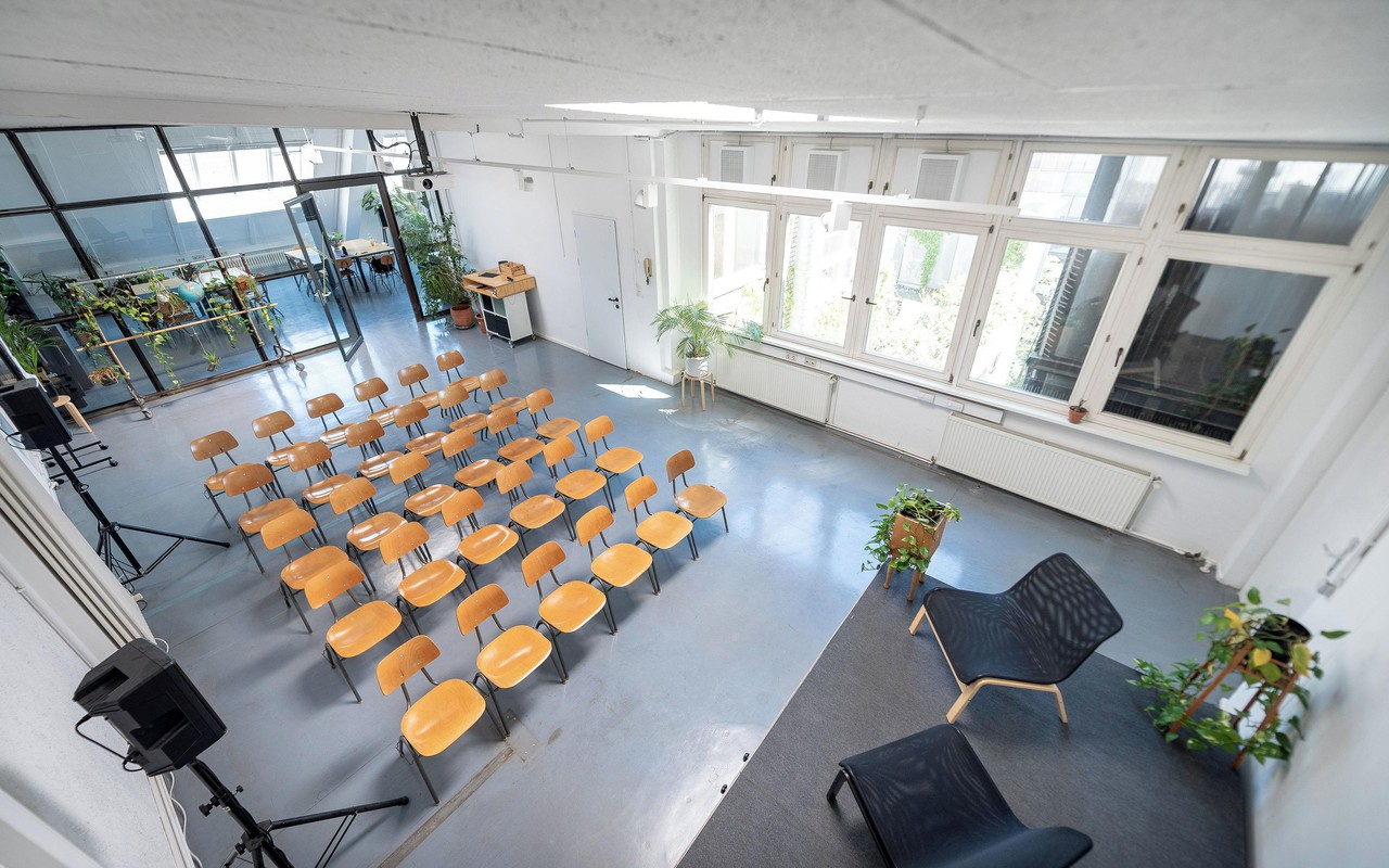 Berlin workshop spaces Coworking space Gorgeous loft space with breakout room image 0