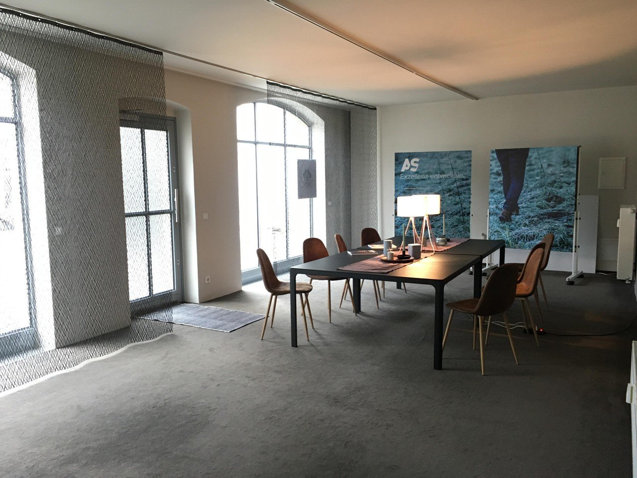 Dresden training rooms Vergaderruimte Elegant and functional room image 1