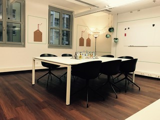 Berlin  Salle de réunion Meetingraum grün image 2