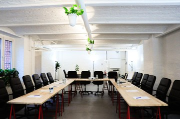 Berlin seminar rooms Lieu industriel Industrial Loft 2 Rooms in Startup Office Kreuzberg Berlin image 1