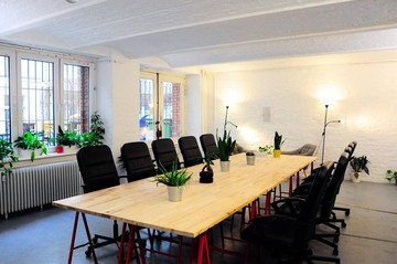 Berlin seminar rooms Lieu industriel Industrial Loft 2 Rooms in Startup Office Kreuzberg Berlin image 9