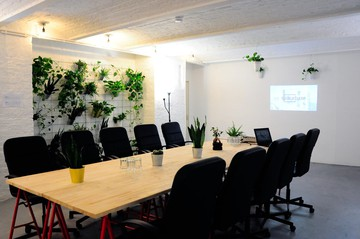 Berlin seminar rooms Lieu industriel Industrial Loft 2 Rooms in Startup Office Kreuzberg Berlin image 11