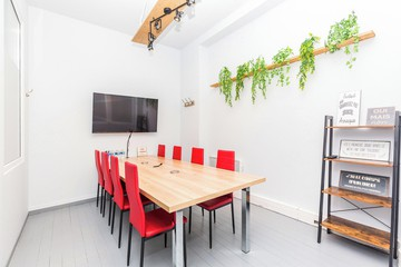 Paris  Espace de Coworking Private office - training room in Paris 11th Nation image 2