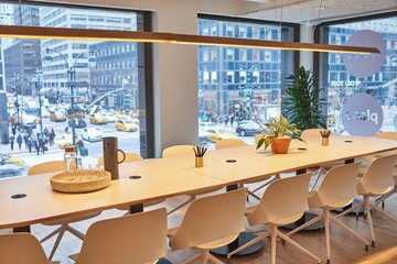 NYC  Meetingraum Meet In Place image 6