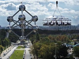 Düsseldorf corporate event venues Lieu Atypique Lounge in the sky image 1