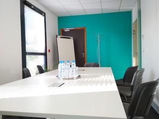 Autres villes workshop spaces Salle de réunion Regus, AIX-EN-PROVENCE, Regus Aix Parc du Golf, Roy Rene image 2