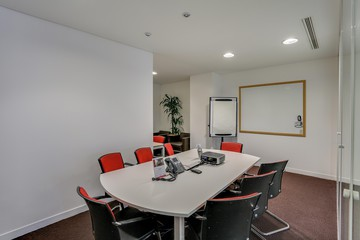 Paris workshop spaces Meeting room Paris la Défense, Tour Egée, 431B-432B Regus image 0