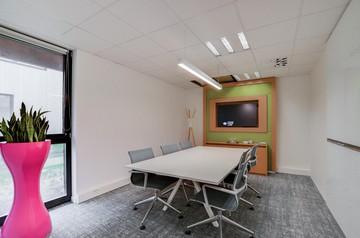 Paris workshop spaces Meeting room Regus, LILLE, Chateau Rouge, cM La Marque image 6