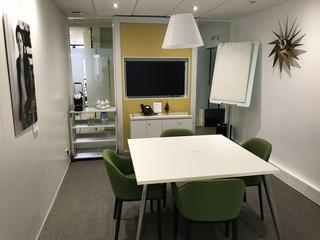 Autres villes conference rooms Salle de réunion Regus REIMS, Le Cristal salle CM Clicquot image 0