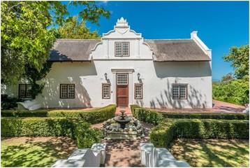 Le Cap  Lieu historique The Manor House at Knorhoek Estate image 1