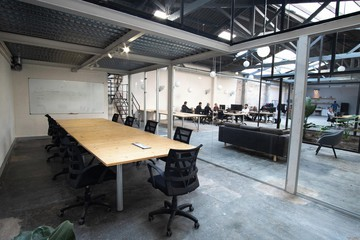Barcelona  Industrial space Modern industrial warehouse venue image 1