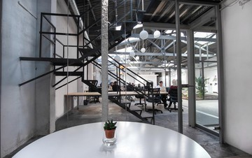 Barcelona  Industrial space Modern industrial warehouse venue image 2