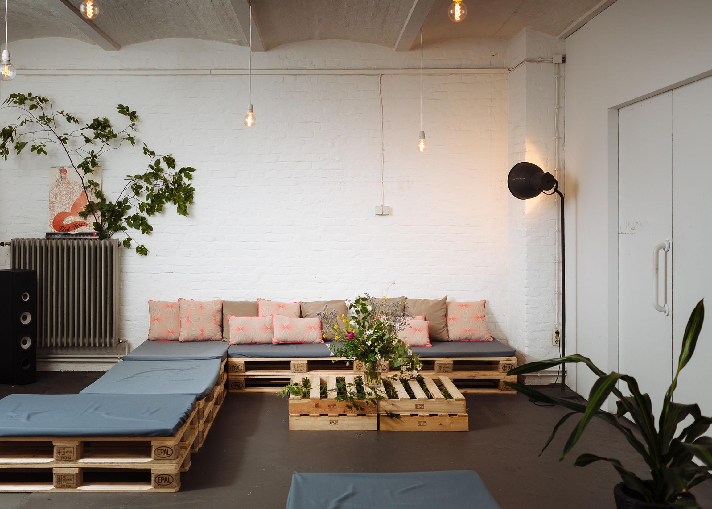 wild wedding loft mieten in berlin. Black Bedroom Furniture Sets. Home Design Ideas