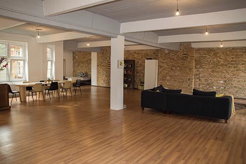 singe loft mieten in berlin. Black Bedroom Furniture Sets. Home Design Ideas