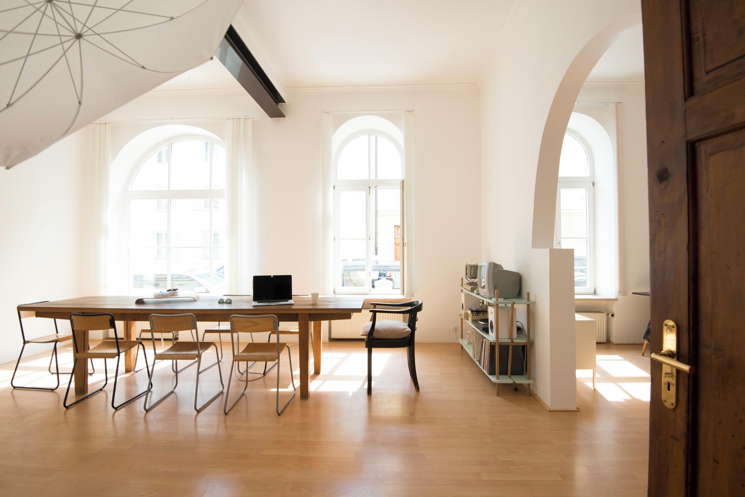 atelier bergstadt mieten in m nchen. Black Bedroom Furniture Sets. Home Design Ideas