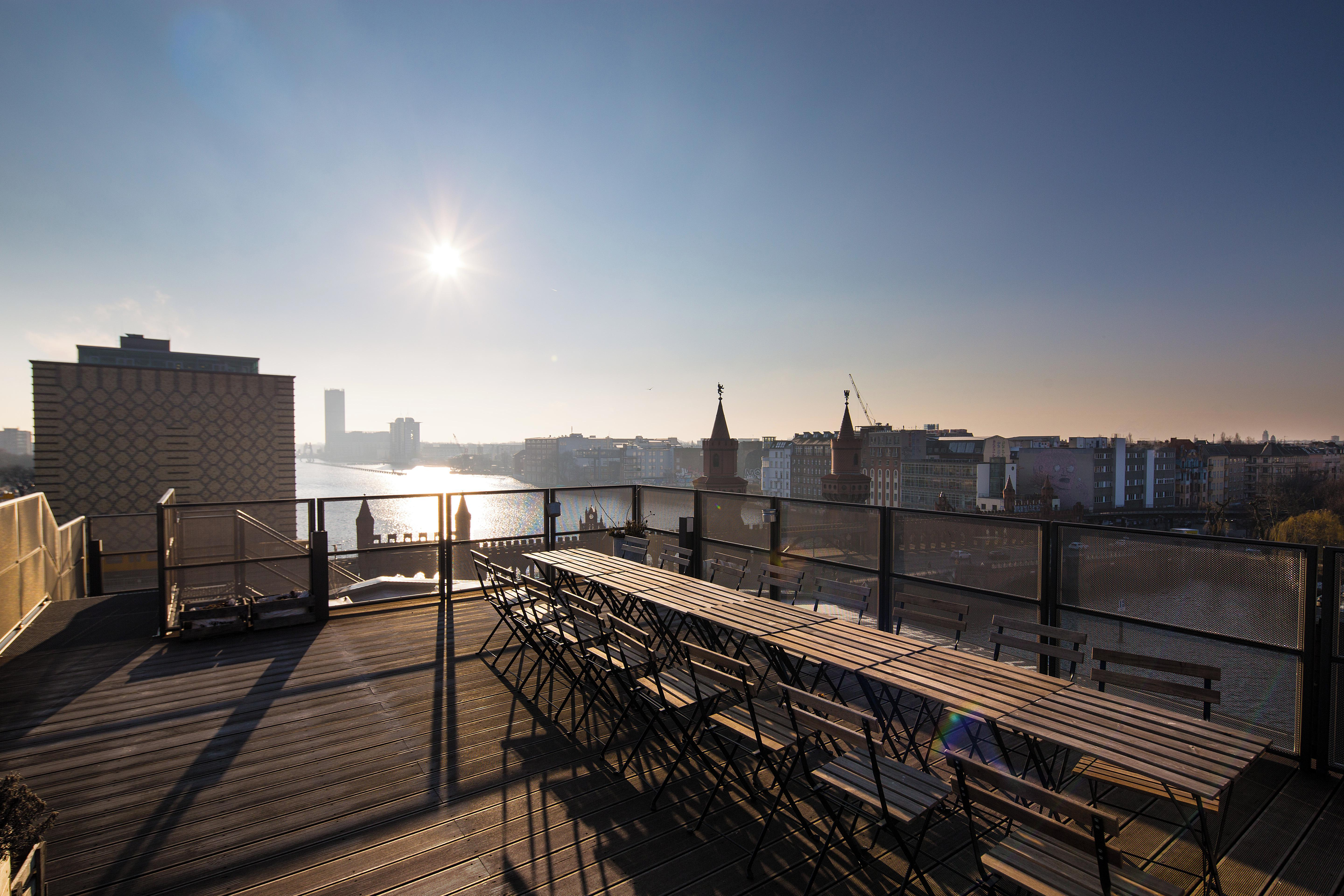 private roof club spree terrace mieten in berlin. Black Bedroom Furniture Sets. Home Design Ideas